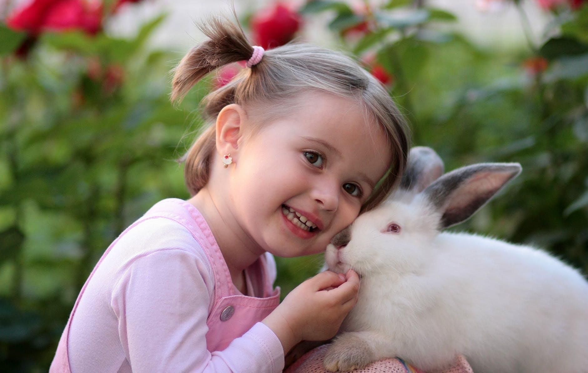 girl-rabbit-friendship-love-160933.jpeg
